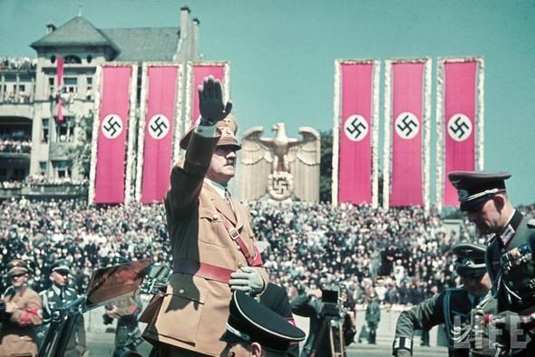 100 цветных фотографий третьего рейха. Изображение №47.