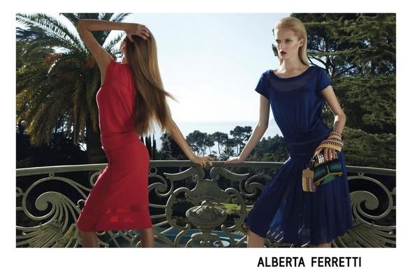 Кампания: Дарья Строкоус и Дженис Алида для Alberta Ferretti SS 2012. Изображение № 2.