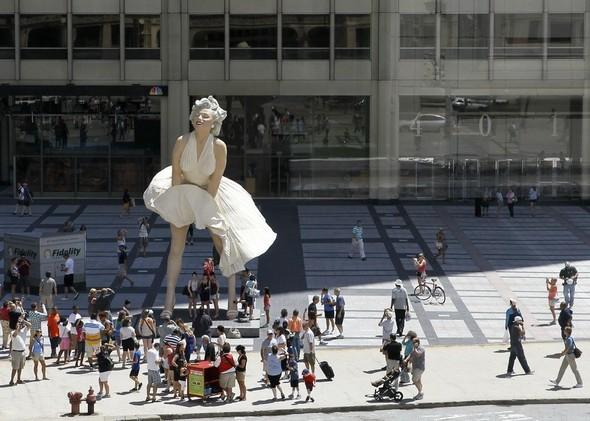 Памятник Мэрилин Монро в Чикаго. Изображение № 2.