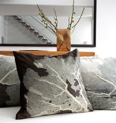 Необычные подушки отAviva Stanoff. Изображение № 1.
