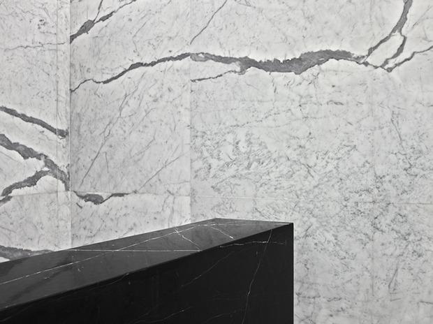 Эди Слиман разработал дизайн бутика Saint Laurent. Изображение № 5.