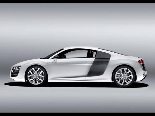 Audi R8 52 FSIquattro. Изображение № 5.