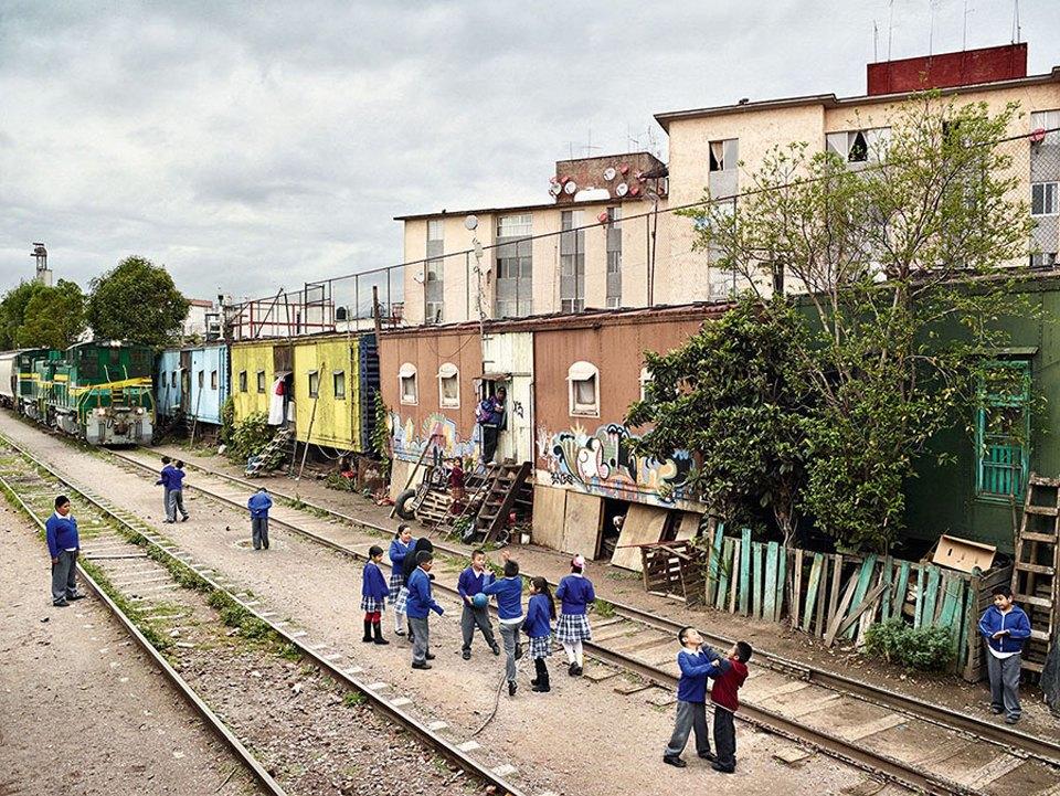 Фото: как выглядят детские площадки вразных странах мира . Изображение № 32.