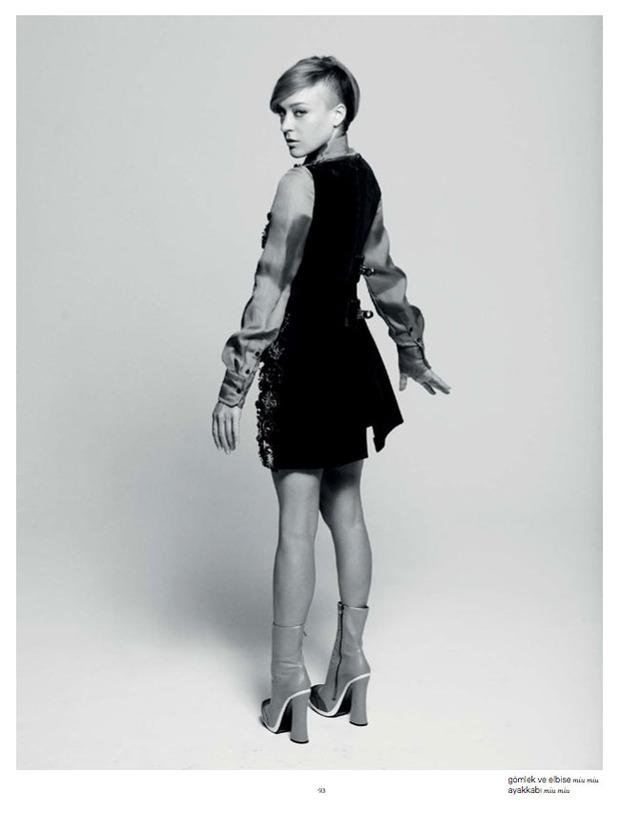 Вышли новые съемки Vogue, i-D, 10 и Interview. Изображение № 16.