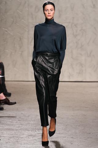 Новости моды: Выставки Chloe и Salvatore Ferragamo, Vogue в Таиланде и проект Michael Kors. Изображение № 15.