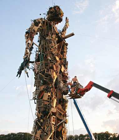 Человек-скульптура. Изображение № 24.