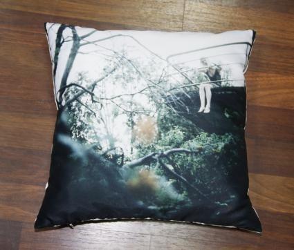 Новая коллекция дизайнерских подушек с фотографиями. Изображение № 11.