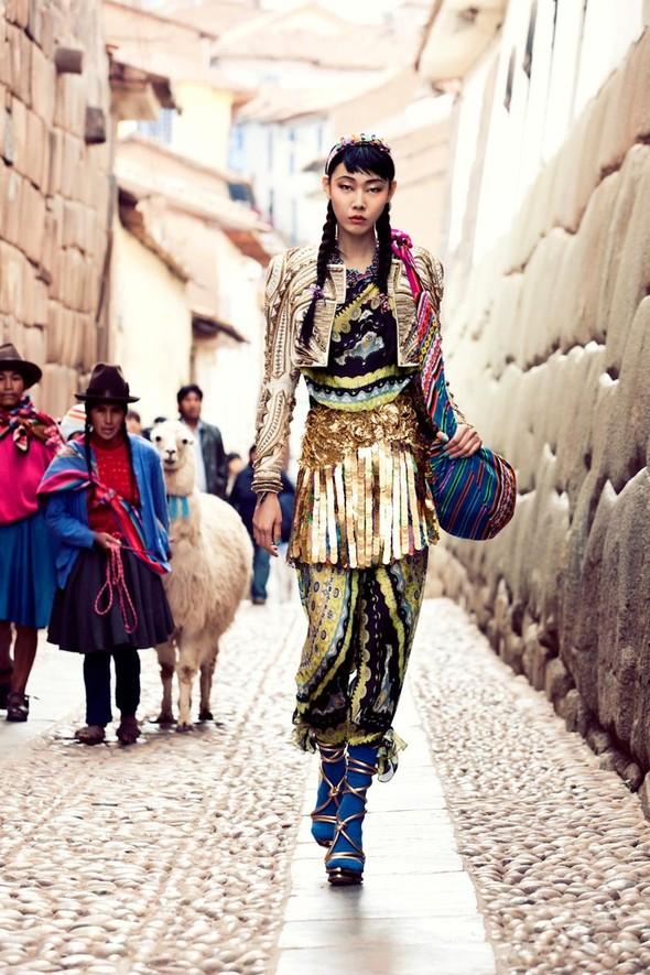 Новые съемки: Vogue, 25 Magazine, Exit. Изображение № 2.