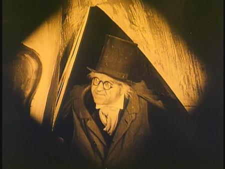 «Кабинет доктора Калигари»Роберт Вине. триллер, 1919. Изображение № 16.