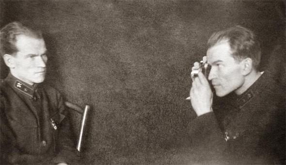 Домашние фото-эксперименты вдовоенном СССР. Изображение № 1.