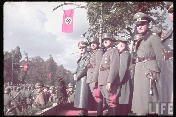 100 цветных фотографий третьего рейха. Изображение №74.
