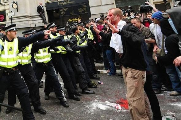 Лондон. Митинг. Изображение № 8.