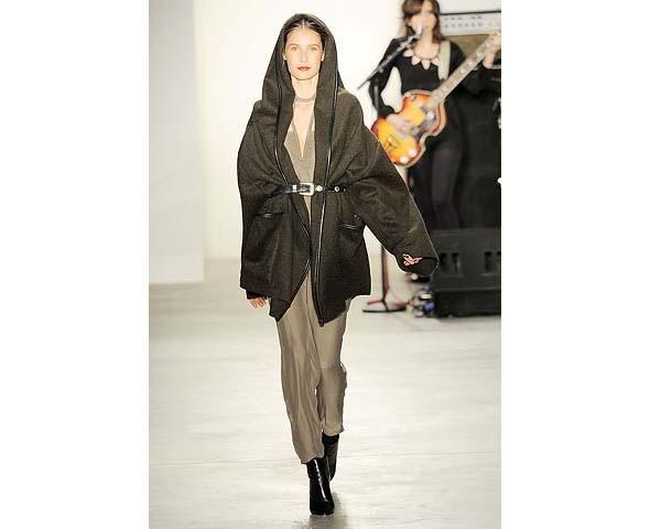 Неделя моды в Нью-Йорке: первые показы. Изображение № 82.