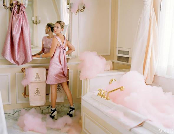 Кейт Мосс в апрельском Vogue US. Изображение № 8.