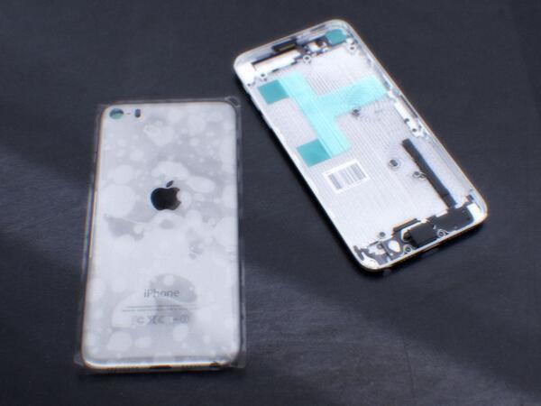 Опубликованы первые фотографии с возможным видом iPhone 6. Изображение № 6.