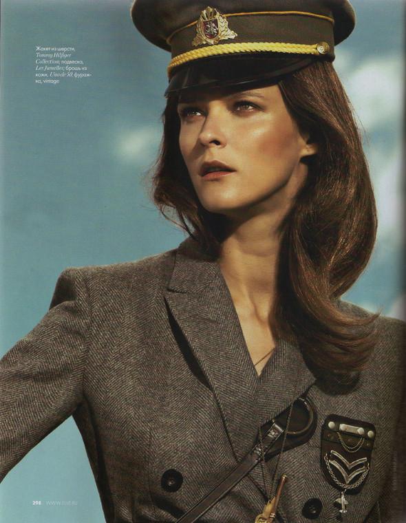 Съёмка: Кармен Касс для российского Elle. Изображение № 7.