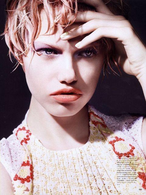 Съёмка: Хейли Клаусон для Vogue. Изображение № 3.