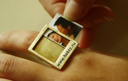Оригинальное кольцо сосменными вкладышами. Изображение № 1.