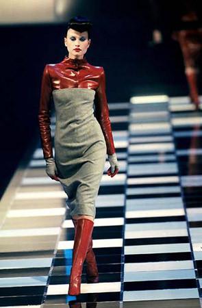 Givenchy FW 1998. Изображение № 12.
