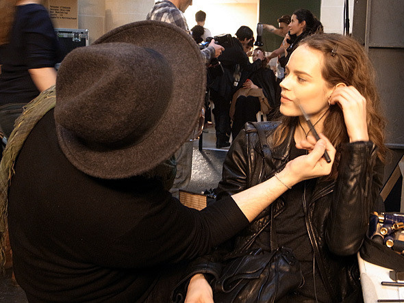 Изображение 8. Paris Fashion Week: первые два дня.. Изображение № 2.