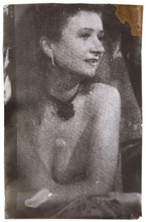 Части тела: Обнаженные женщины на фотографиях 70х-80х годов. Изображение № 49.