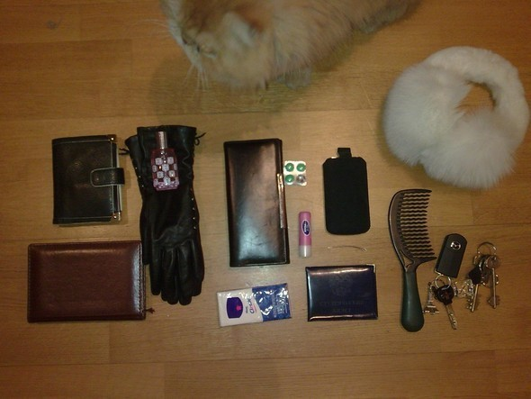 Look at Me: What's in your bag?. Изображение № 33.