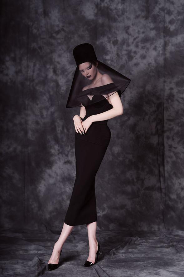 Фотограф: Aydan Kerimli; стиль: Bohemique; макияж: Андрей Шилков; волосы: Наталья Коваленкова; модель: Саша Лусс.. Изображение № 19.