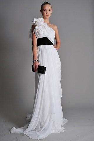 """""""Выбираем свадебное платье!"""" 93 идеи ведущих дизайнеров. Изображение № 17."""