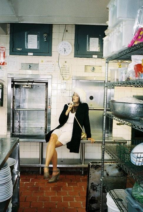 Лукбуки: Urban Outfitters November 2010. Изображение № 32.