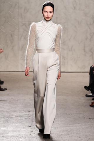 Новости моды: Выставки Chloe и Salvatore Ferragamo, Vogue в Таиланде и проект Michael Kors. Изображение № 11.