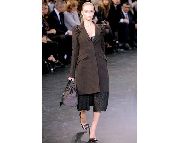 Можно все: Модели на показе Louis Vuitton. Изображение № 7.