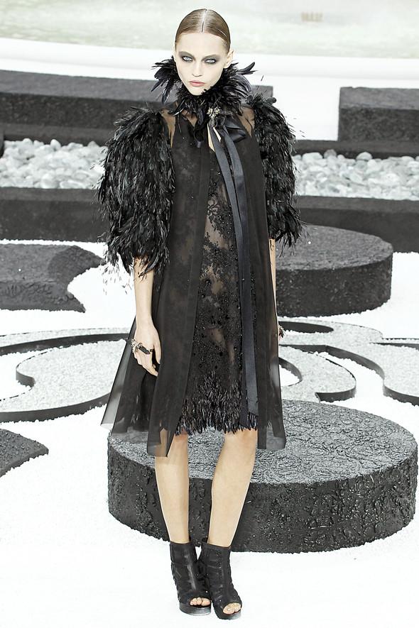 Карл Лагерфельд показал одну из самых красивых коллекций, когда-либо созданных для Chanel. Изображение № 62.