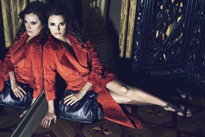 Balenciaga, Jill Stuart и Loewe показали новые кампании. Изображение № 26.