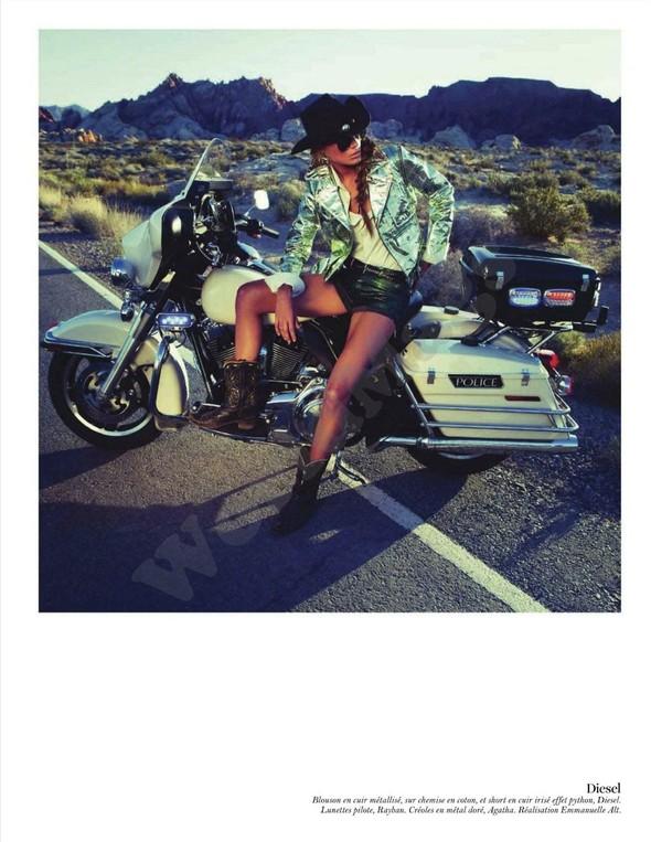Съёмка: Дарья Вербова для французского Vogue. Изображение № 59.