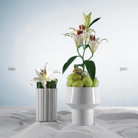 Вазы Ura 18 см (1961, Tapio Wirkkala) и Format 19 см (2011, Christophe de la Fontaine). Изображение № 54.