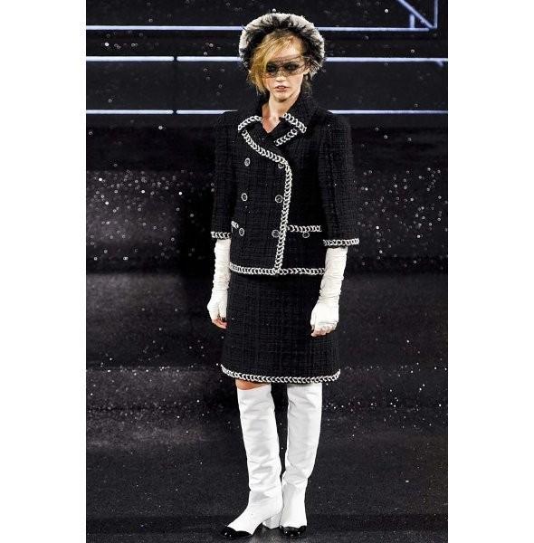 Изображение 1. Показ коллекции Chanel Haute Couture FW 2011.. Изображение № 1.