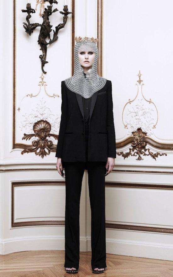 Вышли новые лукбуки Alexander McQueen и Moda Operandi. Изображение № 15.