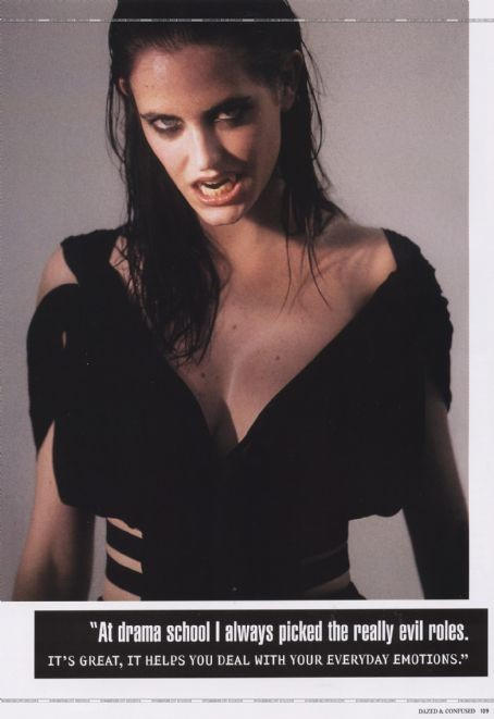 Архивная съёмка: Ева Грин для Dazed & Confused, 2005. Изображение № 4.