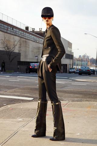 Givenchy Pre-Fall 2012. Изображение № 19.