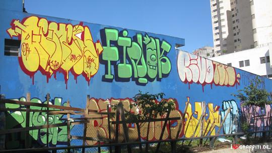 Граффити художники Os Gmeos о творческом пути. Изображение № 5.