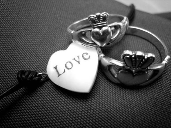 Кольца влюбленных — кладдахские кольца из Ирландии. Изображение № 1.