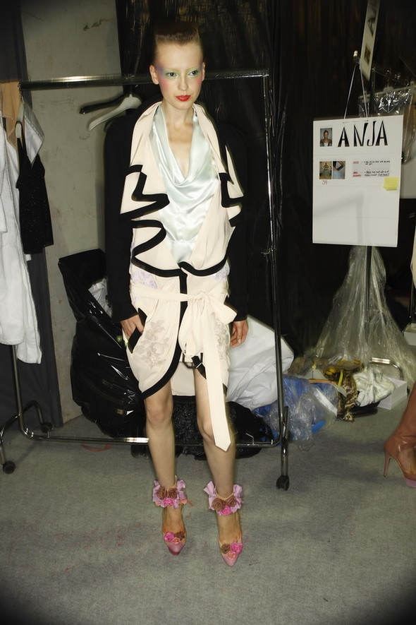 Viktor&Rolf ss2010! Brilliant backstage!. Изображение № 4.