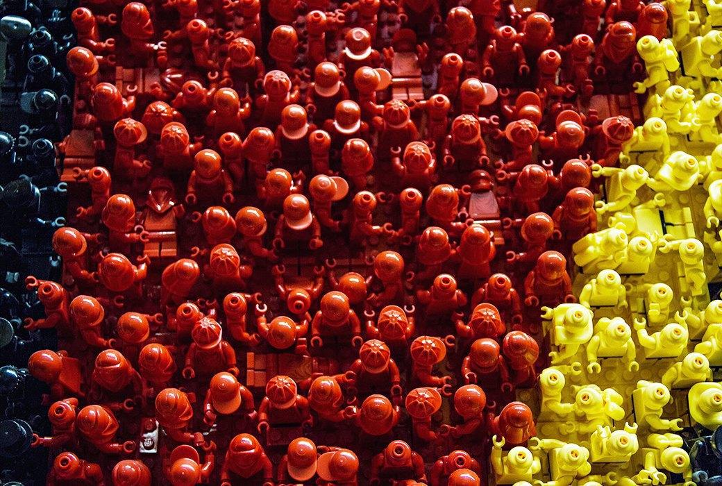 Репортаж с завода LEGO: Столько кубиков вы ещё  не видели. Изображение № 11.