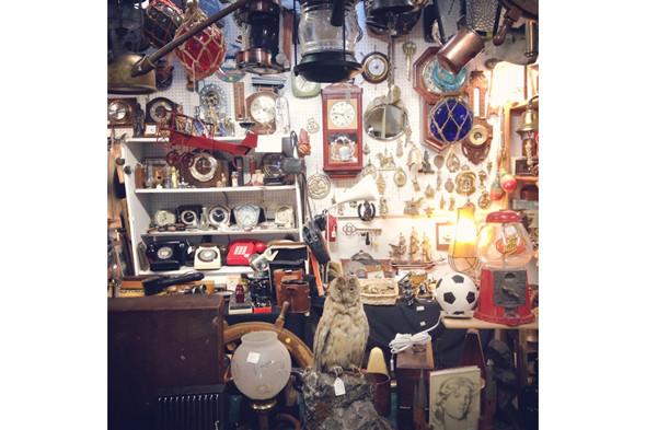 Антикварные магазины. Изображение № 44.