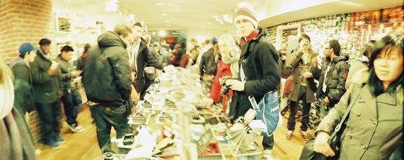 Галерея-магазин Ломографии вНью-Йорке. Изображение № 34.