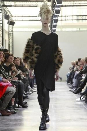 Изображение 28. Показы на Paris Fashion Week FW 2011: день 5.. Изображение № 6.