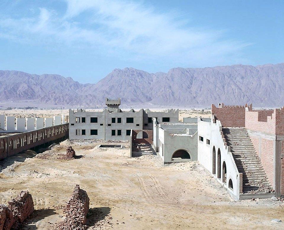 Что осталось от роскошных гостиниц в египетской пустыне. Изображение № 12.