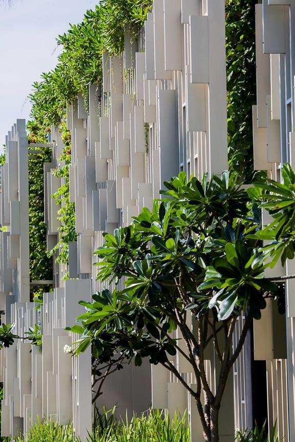Архитектура дня: белый спа-центр во Вьетнаме с растениями на фасаде. Изображение № 32.