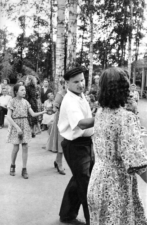 Советская Москва глазами Анри Картье-Брессона. Изображение № 21.