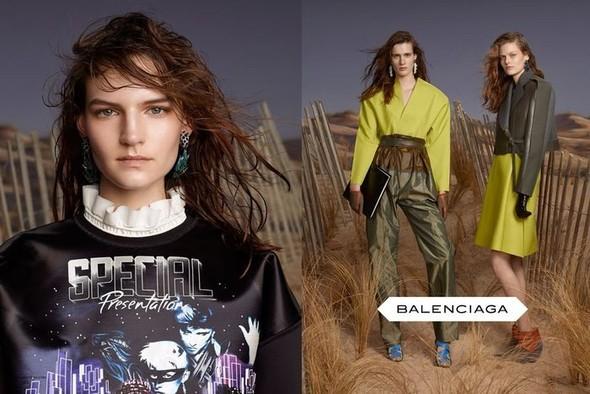 Превью кампаний: Balenciaga, Nina Ricci, Valentino и другие. Изображение № 1.